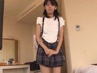 ホテルでロリ美少女JC(小澤ゆうき)と援交。フェラで顔射ぶっかけから、セックス。ブルマで足コキ、尻コキ、電マオナニーからセックス。口射ごっくんと盛りだくさん。美少女中学生と援交する個人撮影風のエロ動画。