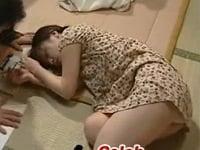 【ヘンリー塚本 JSロリ 近親相姦】小学生の娘を眠剤レイプする父親
