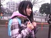 【JSロリ】公園で遊んでいた小学生を騙してラブホに連込む