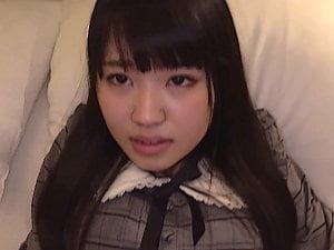 【JDロリ】マッチングアプリで知り合った女子大生と着衣ハメ撮り【姫野ことめ】。無料ロリコンエロ動画。