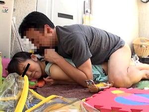 【JSロリ】友達になった小学生の日焼けあとが残る小尻にぶち込んだ【いろはめる 貧乳パイパン】。無料JSエロ動画。